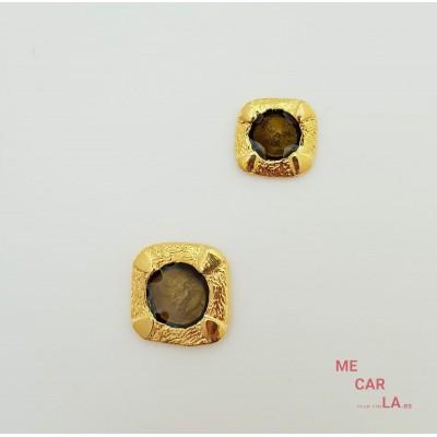 Botón de metal dorado con motivo verde caza lacado