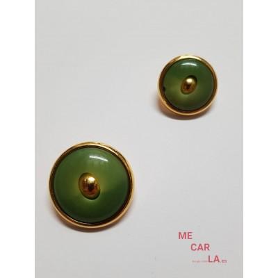 Botón fantasía verde albahaca matizado y dorado