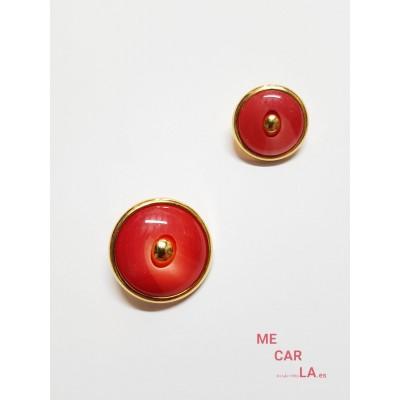 Botón fantasía rojo cereza matizado y dorado